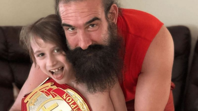 Ahead of the Brodie Lee tribute show tomorrow night on Dynamite, Tony Schiavone has revealed that Brodie Lee Jr. has signed a contract with AEW.