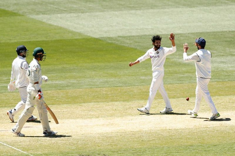 Australia were bowled out for 200 in the second innings in the second Test in Melbourne.
