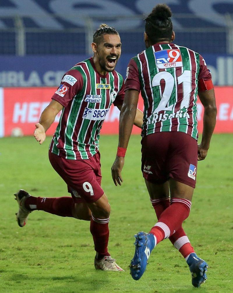 David Williams celebrates with Roy Krishna after scoring for ATK Mohun Bagan against Chennaiyin FC (Image Courtesy: ISL Media)