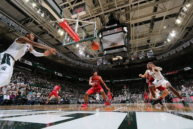 The Rutgers Scarlet Knights and the Michigan State Spartans will face off at the Breslin Student Events Center on Wednesday