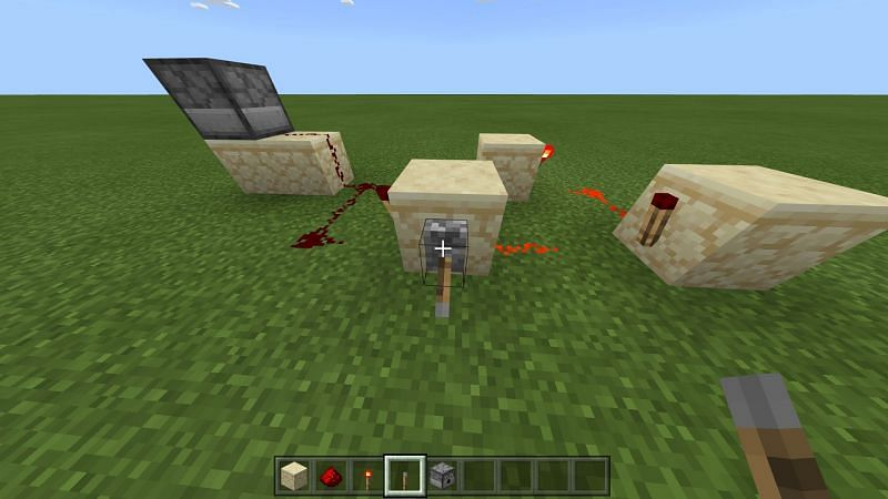 How to make Redstone Clock in Minecraft Step 3
