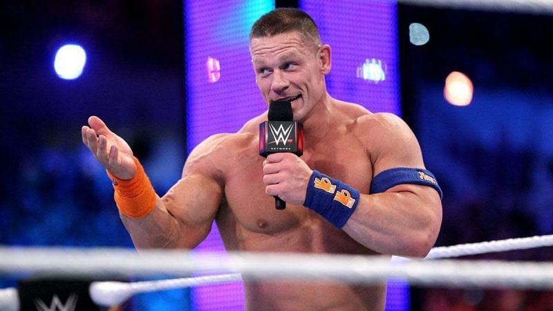 जॉन सीना WWE में दूसरे रेसलर्स की मदद करने के अलावा कई फैंस की मदद कर चुके हैं