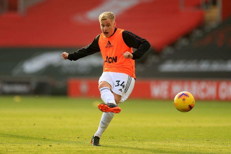 Solskjaer has backed van de Beek to play well against Liverpool