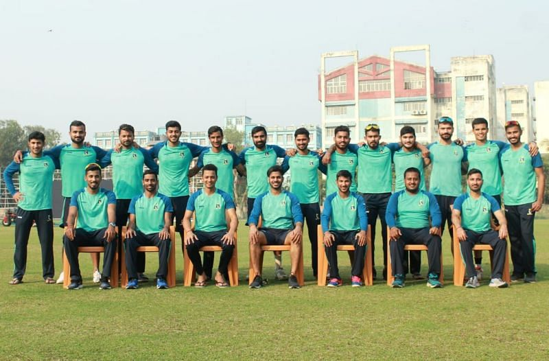 The Bengal team pose for a group photograph before their opening game. [Image Credits: CAB]