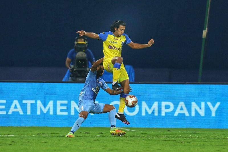Kerala Blasters starlet Sahal Abdul Samad in action against Mumbai City FC.