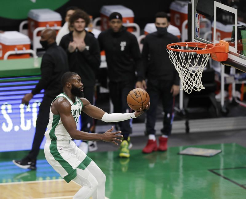 Jaylen Brown #7 of the Boston Celtics drives to the basket during the fourth quarter of the game against the Brooklyn Nets at TD Garden on December 25, 2020 (Photo by Omar Rawlings/Getty Images)