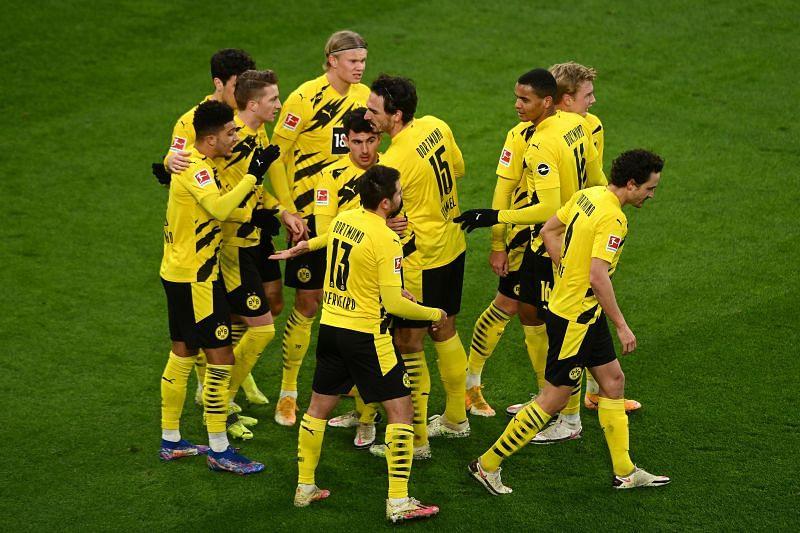 Borussia Dortmund beat FC Augsburg 3-1 in the Bundesliga on Saturday