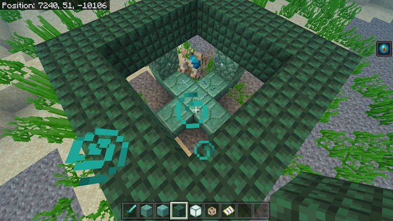 place a ring of prismarine around the top layer of the edges of the plus in Minecraft