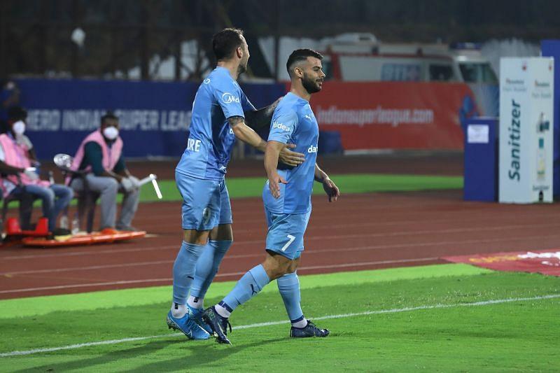 Adam le Fondre (L) and Hugo Boumous were the two goalscorers for Mumbai City FC (Image Courtesy: ISL Media)