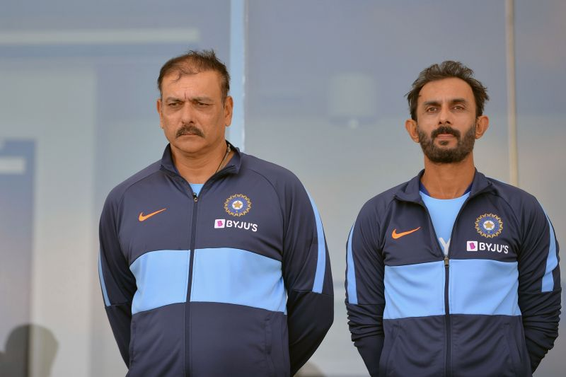 Vikram Rathour (R) and Ravi Shastri