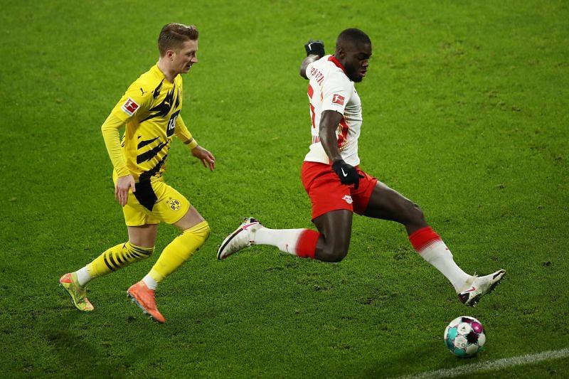 Upamecano in action against Borussia Dortmund - Bundesliga
