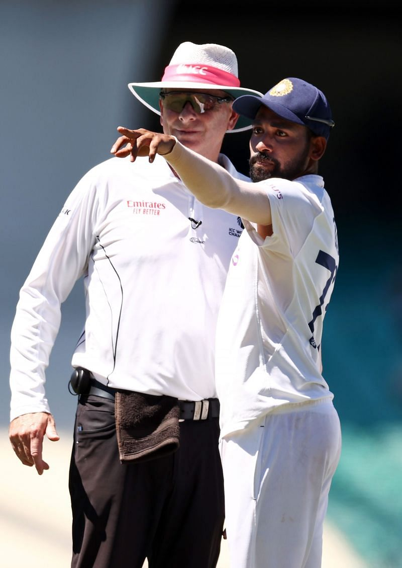 Mohammed Siraj stops play to formally complain about abusive spectators.