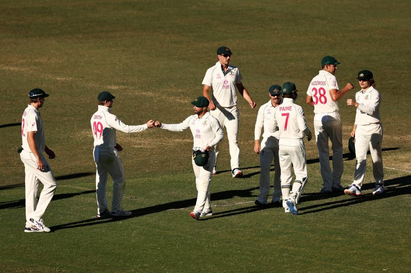 Ricky Ponting believes the Australian bowling attack is potent enough to restrict India to a score below 200