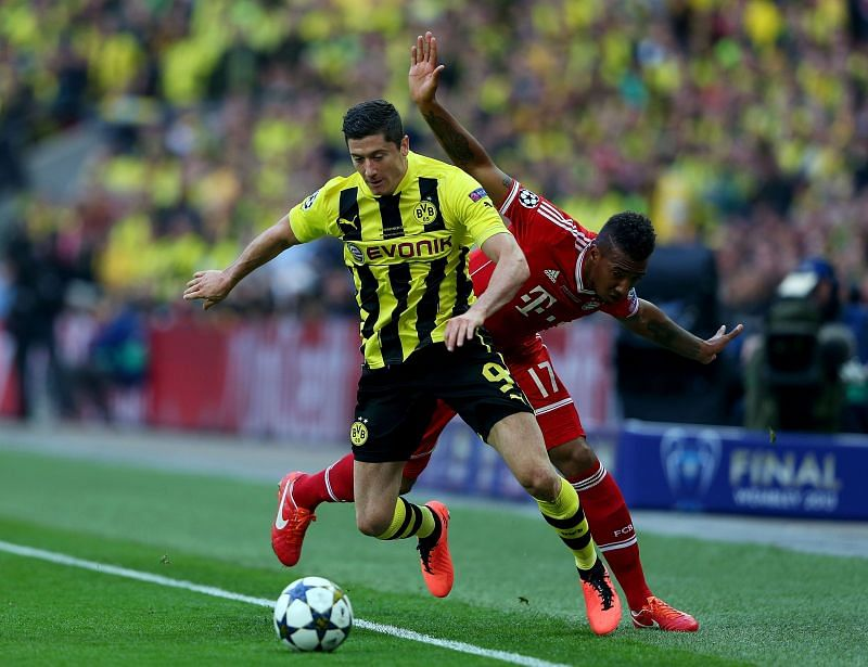 Robert Lewandowski in action for Borussia Dortmund against Bayern Munich