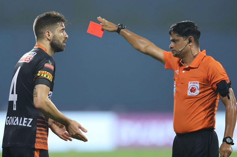 Ivan Gonzalez was given the marching orders and it changed the complexion of the game (Image Courtesy: ISL Media)