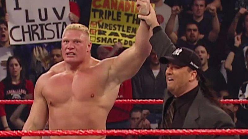 ब्रॉक लैसनर ने 18 मार्च, 2002 के RAW एपिसोड में अपना WWE डेब्यू किया। पहले वो जॉकस्ट्रैप पहनकर रिंग में उतरते थे और अब शॉर्ट्स पहनकर आते हैं।