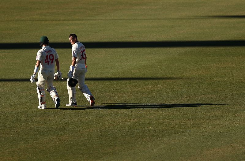Smith and Labuschagne have strung a 68-run third-wicket stand off 118 balls.