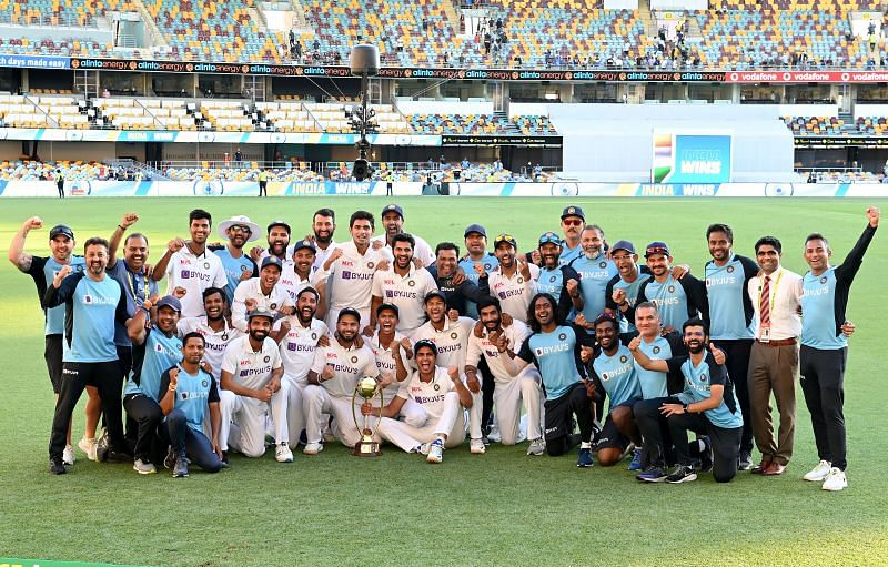 Team India pose with the 2020-21 Border-Gavaskar Trophy