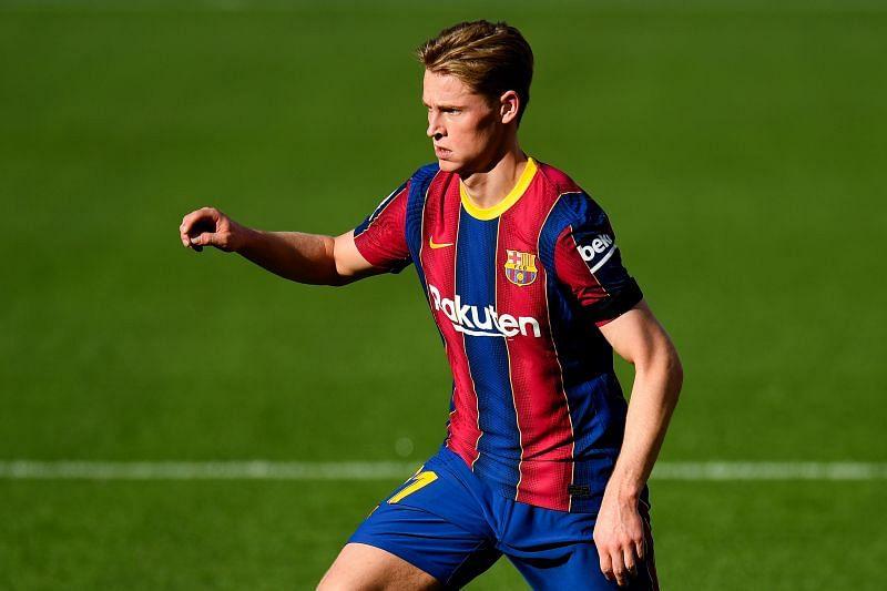 Frenkie de Jong earns a massive salary at Barcelona