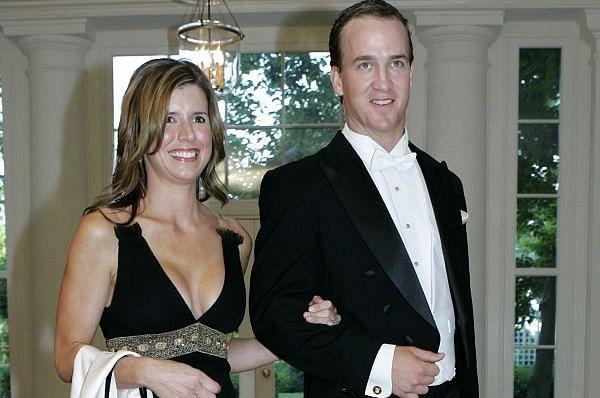 Peyton manning wife divorce 2010