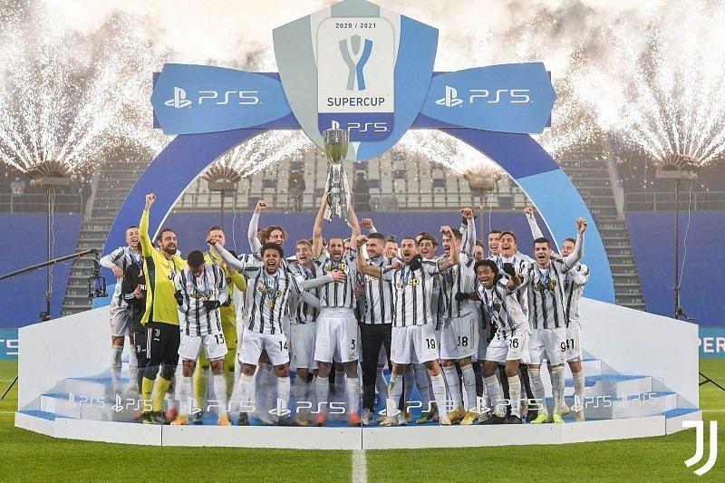 Cristiano Ronaldo scored as Juventus beat Napoli to win the Italian Super Cup.