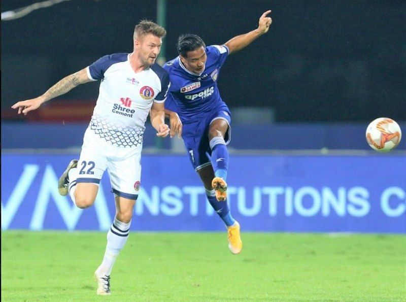 Anthony Pilkington (L) will be crucial for the SC East Bengal midfield against Mumbai City FC (Courtesy - ISL)