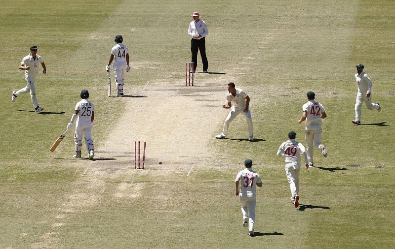 Josh Hazlewood celebrates the wicket of Cheteshwar Pujara
