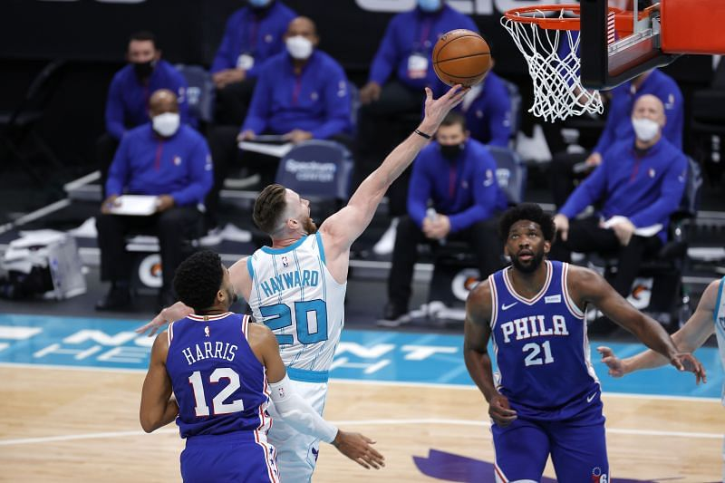 Gordon Hayward #20 of the Charlotte Hornets drives to the basket against Tobias Harris #12 of the Philadelphia 76ers (Photo by Jared C. Tilton/Getty Images)