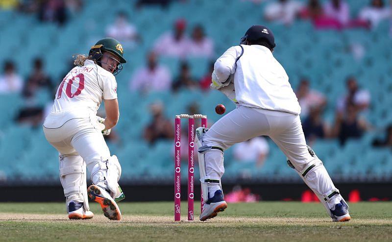 Rishabh Pant drops a catch