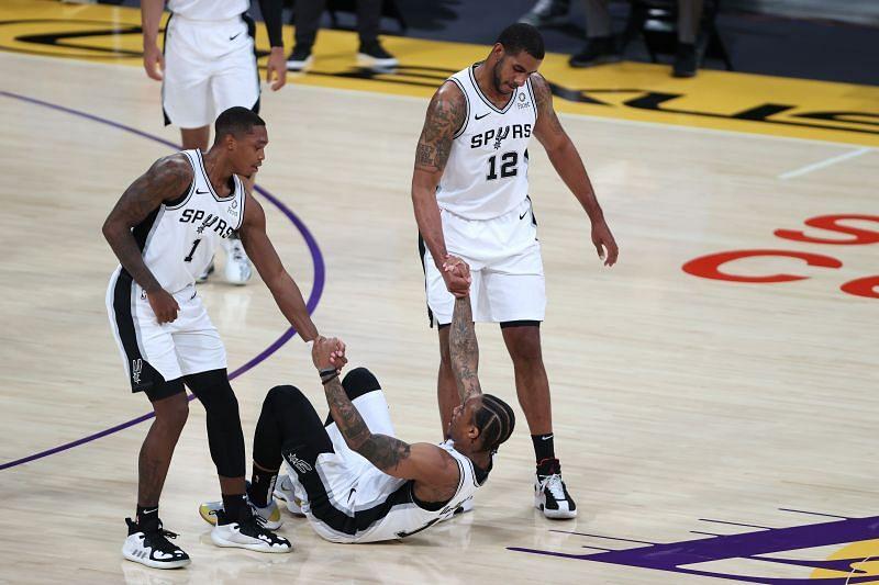 San Antonio Spurs vs LA Lakers
