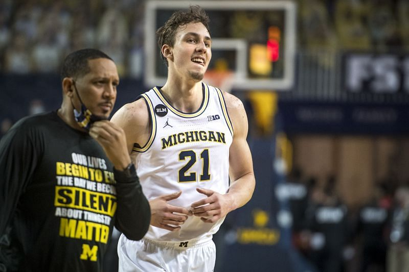 The Michigan Wolverines currently hold the 3rd spot in the Top 25 rankings