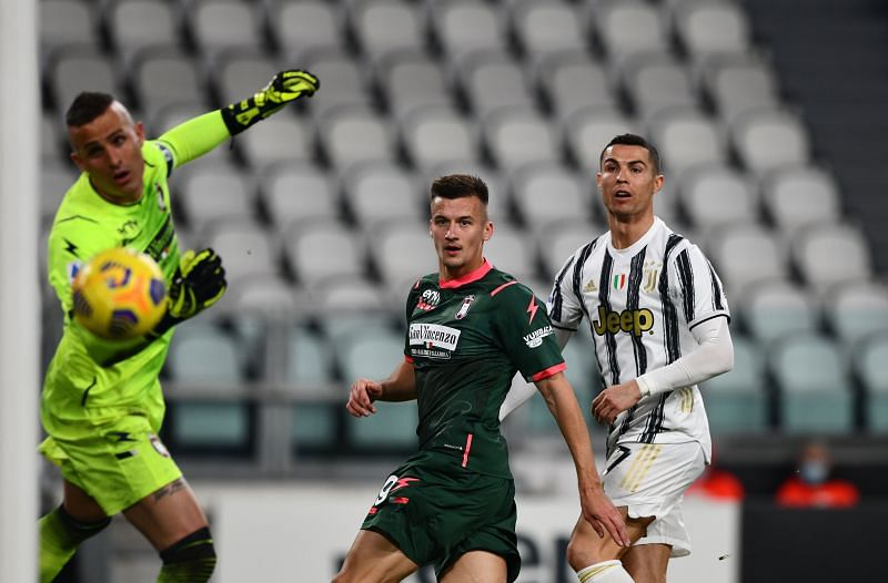 Juventus defeated Crotone in Serie A