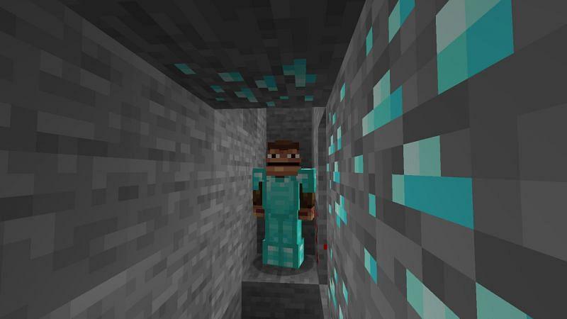 Monke find diamond (Image via Minecraft)
