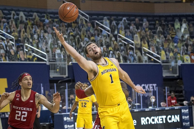 Hunter Dickinson #1 of the Michigan Wolverines was recently named the Big Ten Freshman of the Week