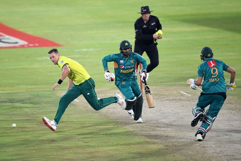 Pakistan and South Africa will clash at the Gaddafi Stadium