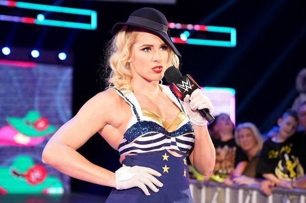 Twitter in disbelief after Lacey Evans reveals she's pregnant on WWE RAW
