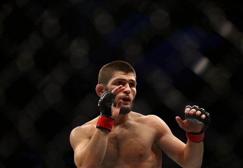 Khabib Nurmagomedov v Dustin Poirier at UFC 242