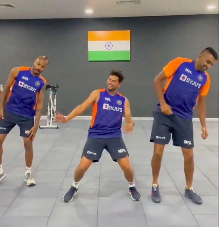 R Ashwin, Hardik Pandya and Kuldeep Yadav grooving to song Vaathi