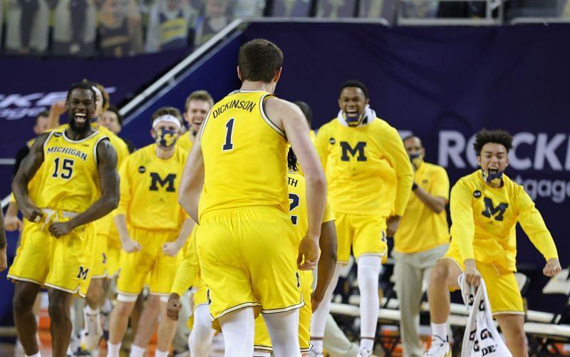 Michigan Wolverines forward #1 Hunter Dickinson