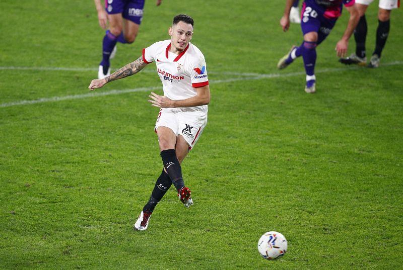 Lucas Ocampos in La Liga action for Sevilla