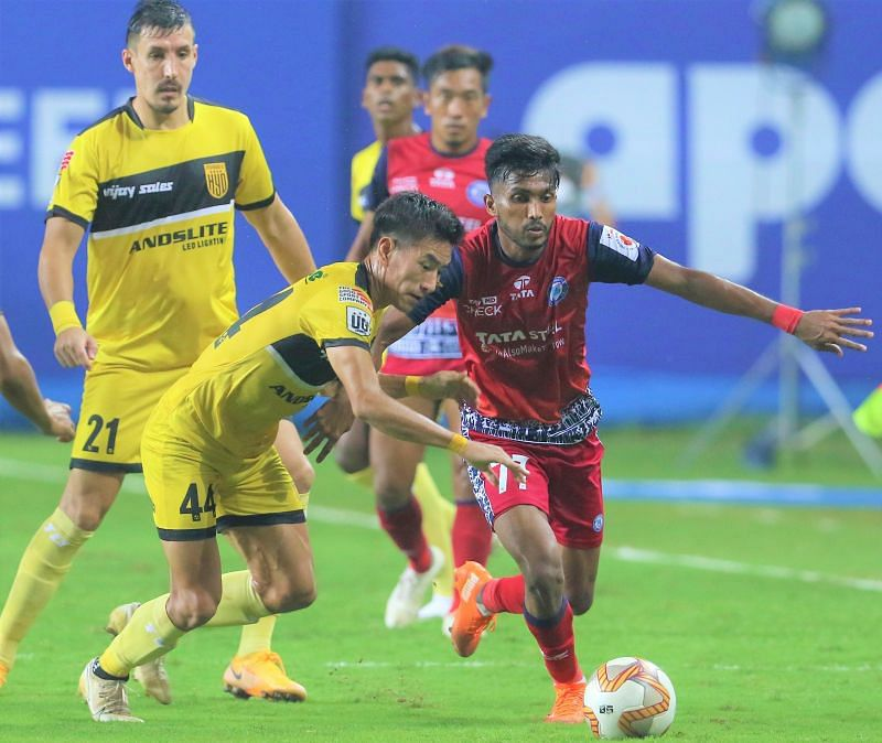Farukh Choudhary was all over the pitch to trouble Mumbai City FC. Courtesy: ISL