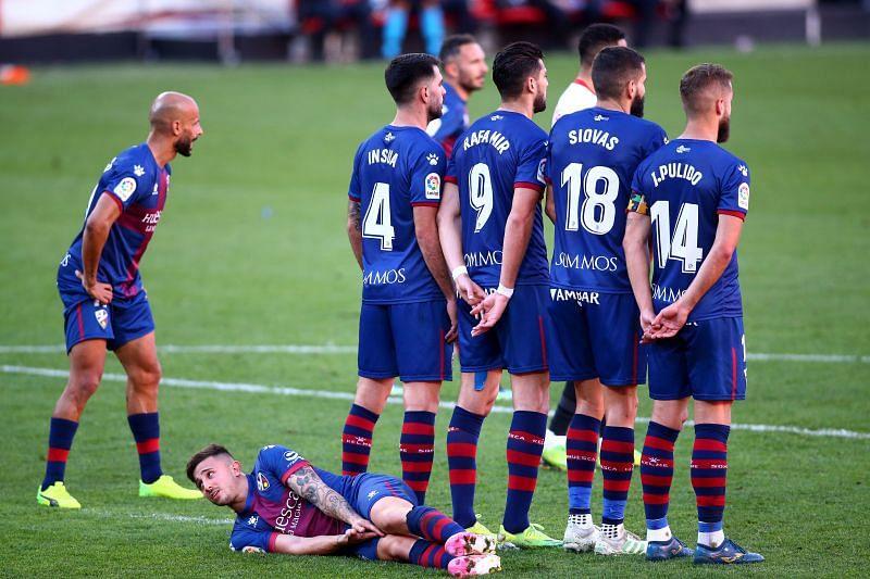 Huesca face Granada in a bid for survival