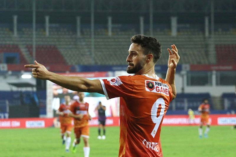 Jorge Ortiz Mendoza with his trademark bow and arrow celebration after scoring for FC Goa against Odisha FC (Image Courtesy: ISL Media)