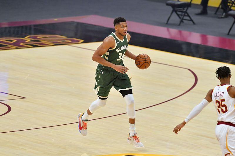 Giannis Antetokounmpo (#34) of the Milwaukee Bucks