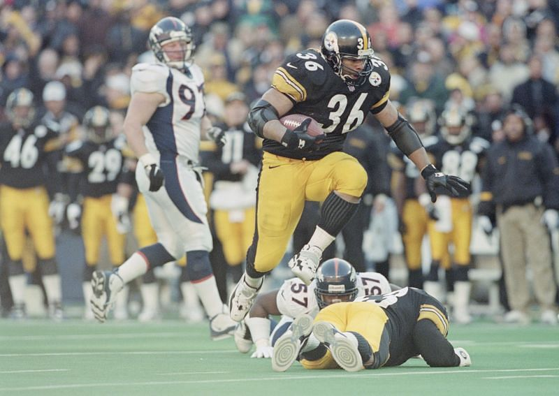 "Pittsburgh Steelers running back Jerome ""The Bus"" Bettis"
