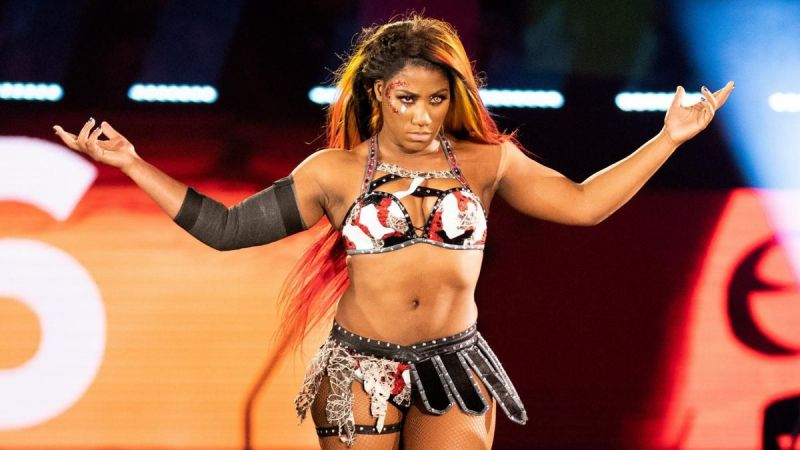 Ember Moon is friends with Bianca Belair