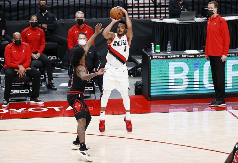 CJ McCollum #3 of the Portland Trail Blazers shoots in the third quarter against the Chicago Bulls