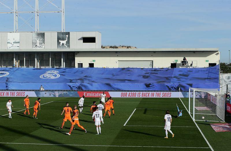 Real Madrid defeated Valencia 2-0.