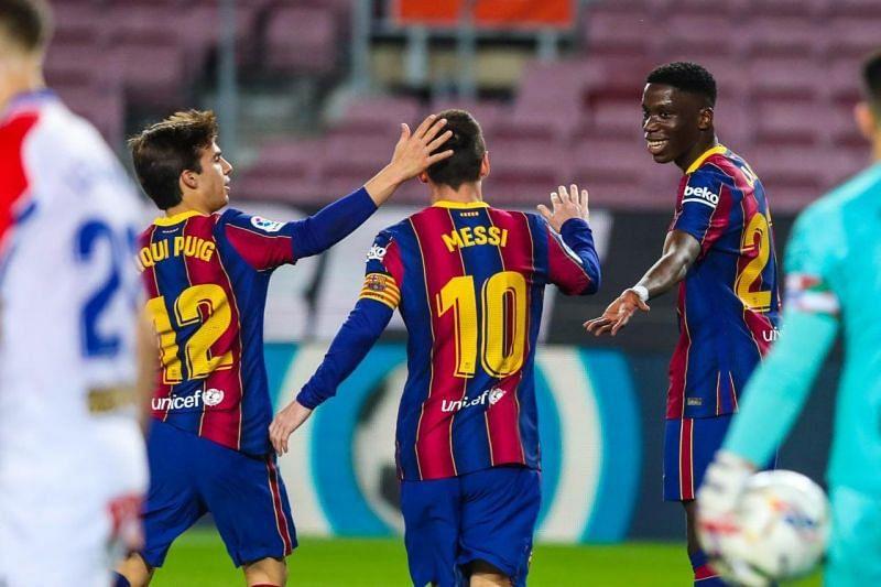 Barcelona thrashed Alaves 5-1 in the La Liga.