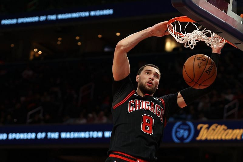 Zach LaVine #8 of the Chicago Bulls dunks against the Washington Wizards